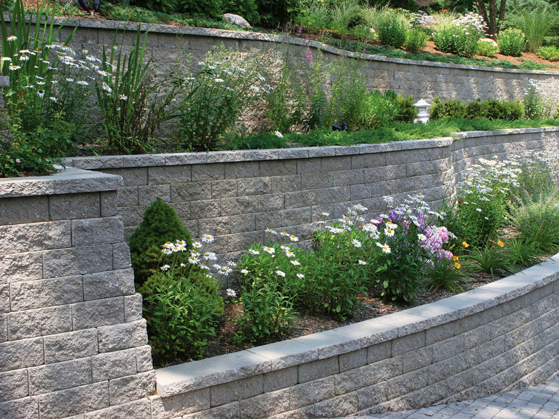 Retaining wall Loudoun design bed